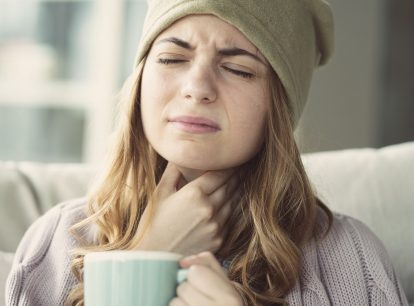 How to improve a sore throat with home remedies